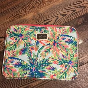 newest ffcfa f64f9 Lilly Pulitzer Laptop Cases for Women | Poshmark